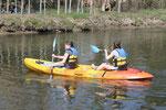Les filles en canoë sur l'Eure