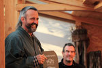 Werner M. Busch verleiht den Sonderpreis des Bonsai Museum Düsseldorf