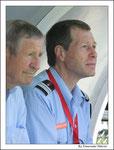 Raymond Kopa avec le Colonel Ferlay ( Directeur Départemental du service d'incendie et de secours de Maine et Loire )