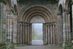 Ruine der Klosterkirche Paulinzella, Thüringen (DE)