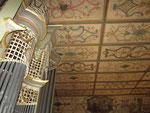 Bitzfeld (DE) Detail Orgelprospekt/ Decke des Kirchenraumes