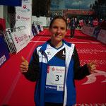 Haspa Hamburg Marathon 2016: Anja vor der Siegerehrung