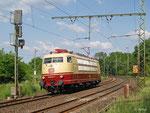 Am 22. Mai 2012 fährt die frisch aufgearbeitete 103 113 als Lokzug 91304 von Dessau zurück nach Frankfurt-Griesheim.