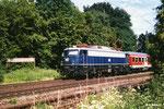 Als 110 348 am 23. Juni 1998 mit einer RB aus Großkrotzenburg ausfährt, steht sie noch im Planeinsatz. Heute steht sie als Museumlok in Koblenz-Lützel. (Scan)