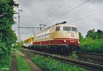 750 003 ist am 15. Mai 2003 mit dem Messzug 88754 in Hanau unterwegs. Die Lok wird 2005 ihre alte Bezeichnung 103 222 wieder erhalten und erst 2014 aus dem Bestand der DB ausscheiden und an Railadventure verkauft werden. (Scan)
