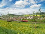 Der Henkelzug mit 139 287 der Bayernbahn benötigt am 10. Mai 2013 auf der Spessartrampe in Laufach keine Schubhilfe.