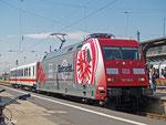 101 110 wurde auserkoren, als Werbelok für Eintracht Frankfurt durch die Lande zu fahren. Am 29. August 2012 wird die Lok in Frankfurt der Öffentlichkeit präsentiert. Gemeinsam mit einem Clubwagen steht die Lok auf Gleis 1a abgestellt.