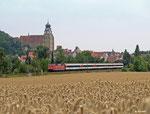 Am IC 280 nach Stuttgart hängt 181 219, als der Zug am 01.08.2014 das bekannte Stadtpanorama von Herrenberg passiert.