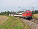115 198 zieht am 01. August 2014 bei Affstätt IC 282 nach Stuttgart.