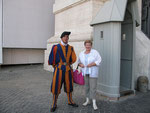 Настоящий ватиканский гвардеец.