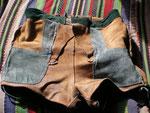Gelbbraun · Bund 78 cm · Innenseite vorn mit rechter und linker Tasche