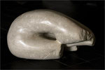 Femme coquillage. Pierre calcaire. 42x28x25
