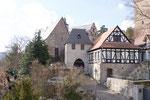 24 Burg Eingang alt