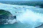 スカイロン・タワーから:カナダ滝