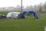 Der 1.Wolkenbruch mit verzweifelten Versuchen das Zelt zu retten!!