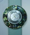 Uhr mit Schmuckscheibe Abaloneschnecke