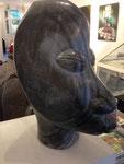 Bernard Matemera: *Dollar-Head*, o.J., Serpentin, Höhe 54 cm