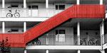 Die rote Treppe. Bildformat: 1:2