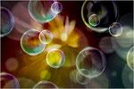 Bubble-Knall. Bildformat: 3:2