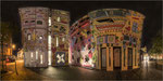 Rizzi-Haus bei Nacht. Format: 2:1