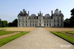 CHEVERNY (Loir et Cher) Château qui inspiré Hergé pour le château de Moulinsard