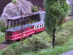 Ausfahrender Personenzug