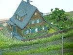 Holzhaus der Familie pospishil unweit des Bhfs Dittersbach