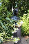 Büste der Königin Luise im Naturgarten, Schlosspark Charlottenburg. Foto: Helga Karl