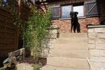 Die Treppe runter zum Garten