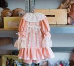 Une robe -travail personnalisé pour poupée ancienne Jumeau