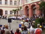 """Auftritt beim """"Klingenden Mainaupark"""" 2003 mit lateinamerik. Liedern"""