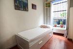 This room can be single... / Esta habitación puede ser simple...