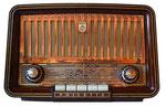 Antigua radio de válvulas.