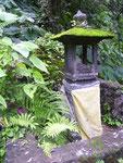Kleiner Tempel am Wegesrand zu Aling Aling