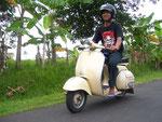Unterwegs: rund um Panji: Dewa der Wirt unserer Wahl am PP Pantai Penimbangan