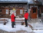 Margit und ich nach der wohlverdienten Rastpause in der Schobersteinhütte.