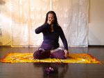 Anuloma Viloma - wechselseitige Nasenatmung im Lotussitz