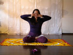 Brahmari - Bienenatmung im Lotussitz