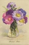 HWB 2236 [vase en verre transparent avec chrysanthèmes de plusieurs couleurs]
