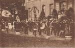 NELS - Lefebvre Procession ... [musiciens et suivants]