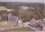 Anonyme   sans légende vue aérienne église et château
