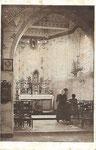 Anonyme NOTRE-DAME DE LA CAVÉE, - Vue intérieure de la Chapelle. [2 personnes]