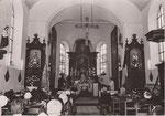 ANTHONY [sans légende intérieur église en 1964]