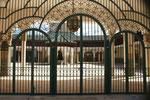 Der Eingang in die Moschee ist für Nichtgläubige geschlossen