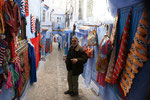 In den Mauern der Medina. Teppiche, Leder, Schmuck wird versucht an den Touristen zu bringen