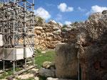 Um den Tempel zu erhalten mussten auch Gerüste aufgebaut werden