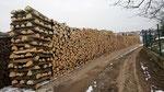 Das gespaltene Holz lagert mindestens 2 Jahre