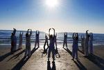 Lezione di Qigong in spiaggia