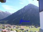 PA221456  im Kleinenwalsertal - Blick von Maisäß auf die Hammerspitze (2260m)