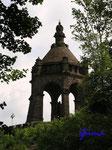 P5310415    Kaiser Wilhelm-Denkmal am Osthang des Wittekindsberges vom Zugangsweg aus  gesehen